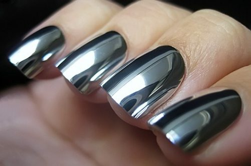 bni-black-mirror-nails