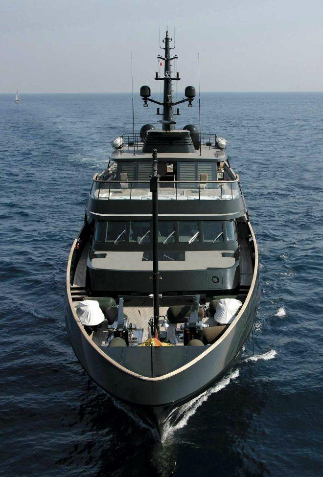 best-celebrity-yachts-giorgio-armani-7