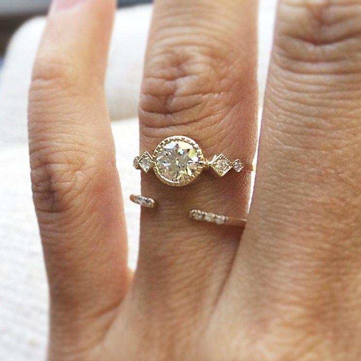jennie-kwon-champagne-diamond-solitaire-echo-ring2
