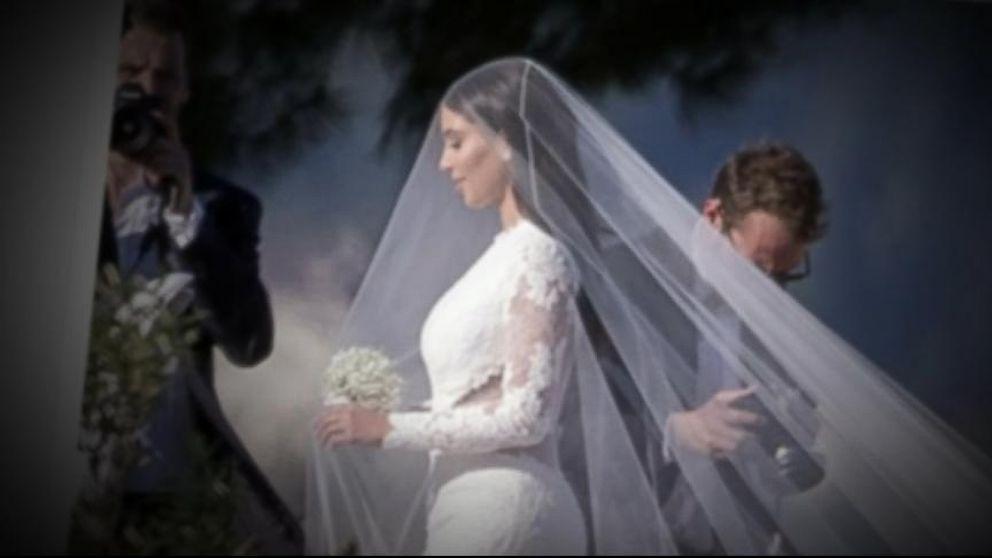 kanye-west-and-kim-kardashians-7-ft-tall-wedding-cake