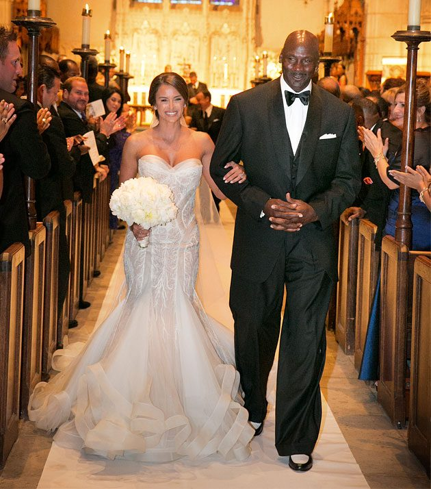 michael-jordan-and-yvette-prieto-bejeweleds-wedding-cake1
