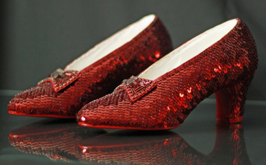 the-wizard-of-oz-ruby-slippers-2