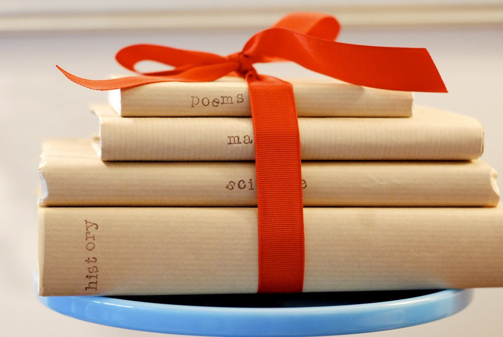 book-themed-gifts-kids