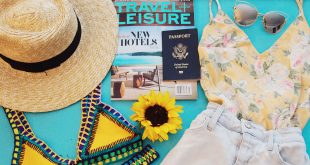 Top 10 Travel Essentials you need to carry with you every time