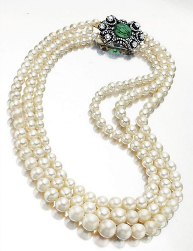 9439ac0976a43 Top 10 Most Expensive Pearl Jewelry Pieces Ever Sold at Auction ...
