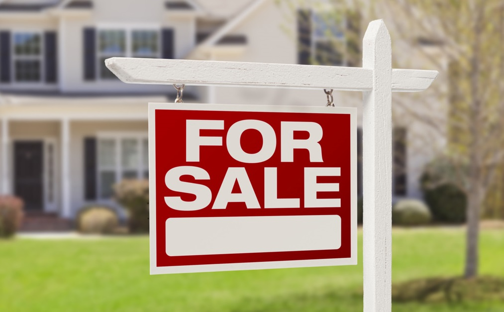 Photo of 10 Items Every Real Estate Agent Should Have on the Job