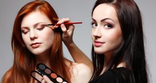 10 Steps to Become a Celebrity Makeup Artist