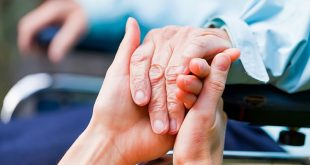 Top 10 Ways of Interacting with a Person with Dementia – Understanding Their Behaviors