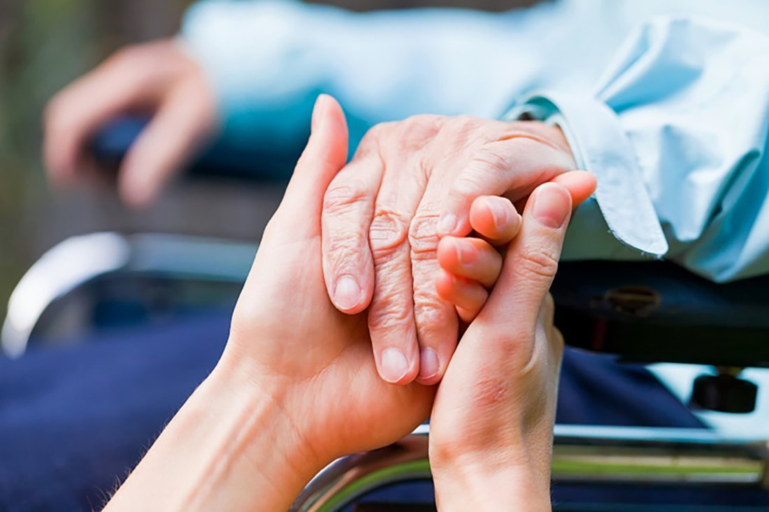 Photo of Top 10 Ways of Interacting with a Person with Dementia – Understanding Their Behaviors