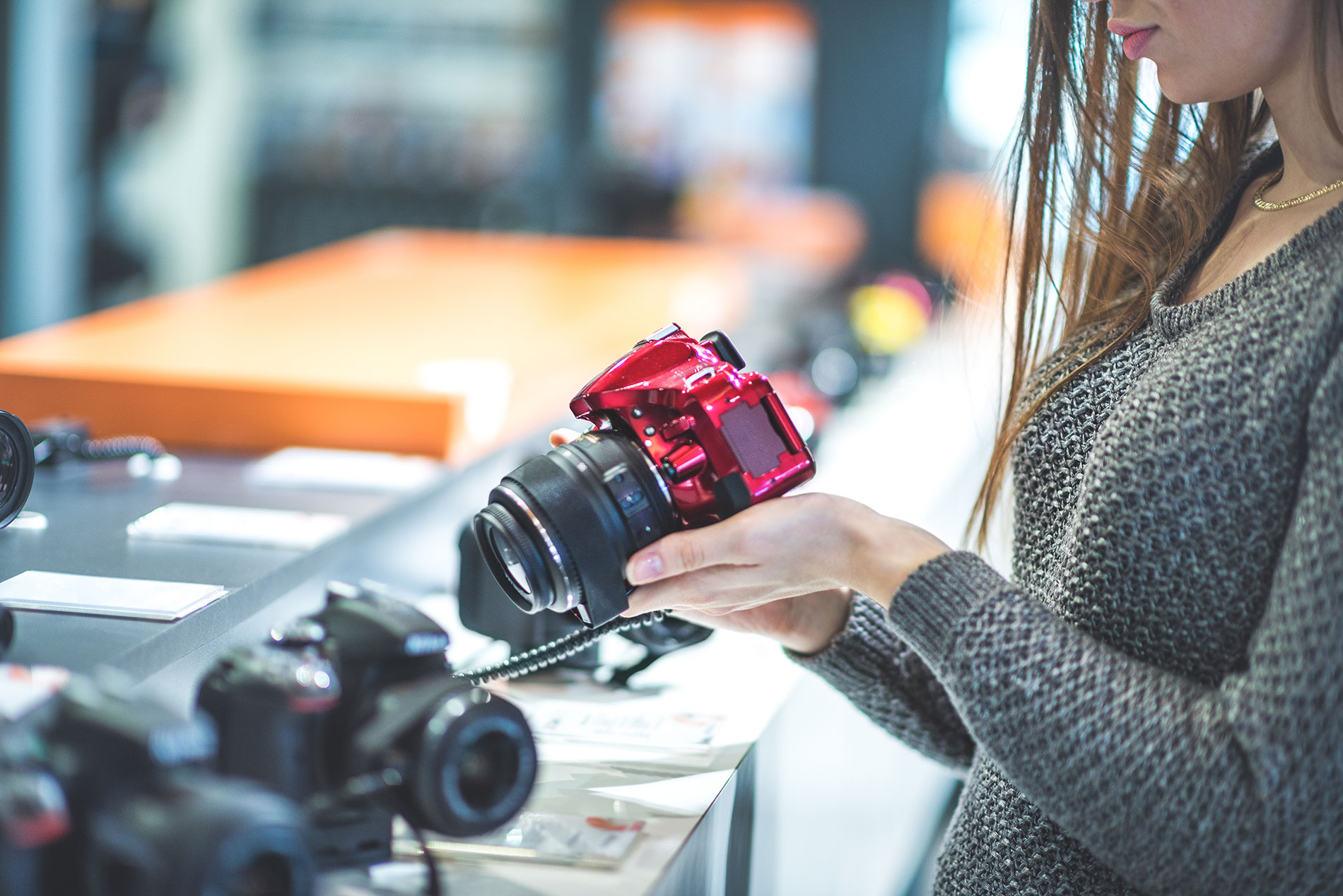 Purchasing the right camera to start the photography business successfully...