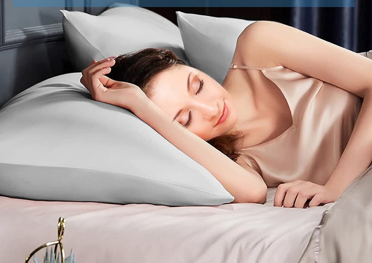 The Avolare Cooling pillowcase